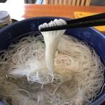 百年庵 - 氷も入る冷えきった素麺