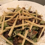 ビストロ アルパイン - 砂肝のコンフィのサラダ