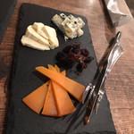 ブラッスリー エスプリ - チーズ盛り合わせ