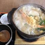 田舎屋 - 鍋焼きうどん1080円