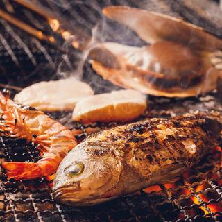 ◆新鮮な魚介を備長炭で◆当店名物!海鮮炭火焼