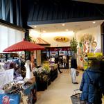 103993078 - 地元の農産物、特産品、お土産等も売ってますよ~