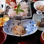 魚寅 - 葉山の渚 その1