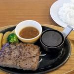 ココス - ビーフ100%ハンバーグステーキ¥690+税 withごはん¥180+税