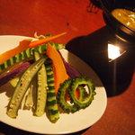 沖縄いみんちゅ - 太陽の恵みたっぷり県産島野菜のバーニャカウダー