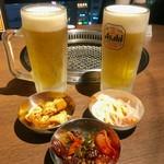 ハヌリ - 生ビールとパンチャン三種