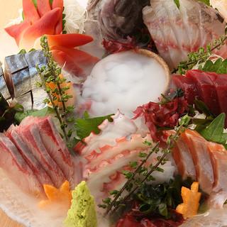 和洋中、様々な一品料理をご提供。どれもこれもリーズナブル!