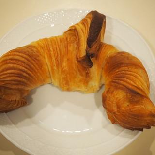 マリアージュ ドゥ ファリーヌ - 料理写真:フランス産バターのクロワッサン