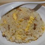 らーめん 鱗 - 半焼き飯250円(´- `*)