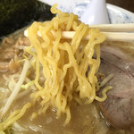 Hokkaidouramenrairaiken - 西山製麺の卵繋ぎの縮れた麺