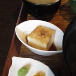 104016903 - 【ランチ】 マグロとサーモンの海鮮丼