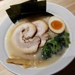 らーめん 麺GO家 - 塩豚骨 780円
