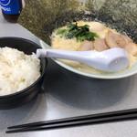 横浜家系ラーメン 魂心家 -