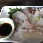 むちゃく - 真鯛の刺身は身厚