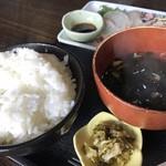 むちゃく - ご飯とワカメスープ