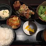魚 野菜 酒 しゃばらむ - 唐揚げランチ800円です