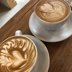 カミノコーヒー - 2つ並べて…