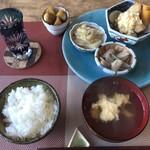 カフェ&ジャズ Shoji - 日替わりランチ。根菜、鶏肉、白菜など、ヘルシーです!