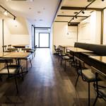 低糖質食専門店 ローカーボキッチン然 - テーブル席