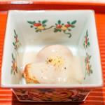与志福 - 海老芋、 蓮根餅、 蕪、 銀杏