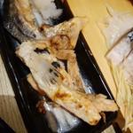 目利きの銀次 - サーモンハラスとカマの炙り焼・498円