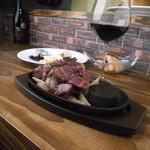 ハンバーグビストロ vinW - 岩手吊るし熟成短角牛のステーキ