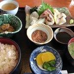 シーサイド うらどめ - 刺身定食    1295円