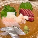 味処あきよし - 料理写真:刺身盛り合わせ