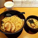 104068818 - つけ麺800円