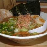 麺屋 龍次 - 料理写真:正油ラーメン 850円 大盛