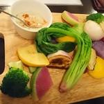 ブラッスリー ジゴ - その日の朝採れた『産地直送三浦の温野菜 彩色盛り合わせ』