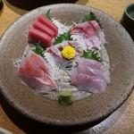 日本酒と個室居酒屋 農家の慶 - 刺盛り5種