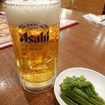 京華小吃 - ビールとお通し