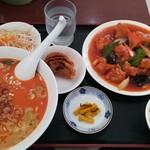 福源 - 料理写真:酢豚、坦々麺セット(750円)