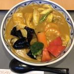 若鯱家 - 温野菜カレーうどん、トマトとナスのトッピング。