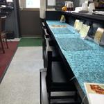 カフェバル リバーサイド - 店内カウンター席