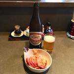 支那そば めでた屋 - おつまみチャーシュー400円、瓶ビール500円