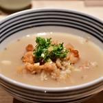 日本橋海鮮丼 つじ半 - 【ぜいたく丼 松@税込1,980円】鯛だしで茶漬けに。