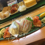 三平寿し - 鯛、シマアジ、赤貝のお造り