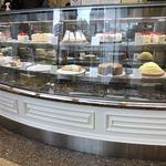 ハーブス - たくさんケーキが並びます