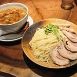104111225 - 「カレーちゃーしゅーつけ麺(大盛400g)」