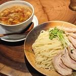 らぁめん真 - 「カレーちゃーしゅーつけ麺(大盛400g)」
