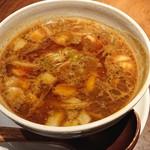 らぁめん真 - 「カレーちゃーしゅーつけ麺(大盛400g)」のつけ汁