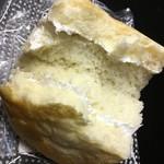 高原のパン屋さん - 薄めのクリームが好き♪