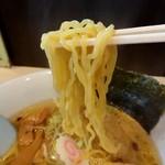 らーめん 虎の介 - 小林製麺、中太縮れ麺