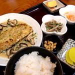 しんき食堂 - 料理写真:日替わり定食(この日はサバのパン粉焼き)