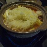 駱駝倶楽部 - 霙鍋 冬場だけの特別な大根を使って作ります