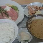 大衆食堂 丸泰 - 料理写真: