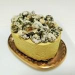 104136854 - カリカリの糖衣をまとった香ばしいピスタチオがどっさり、ピエモン594円