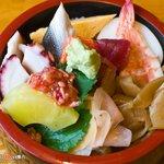 春鮨 - 料理写真:ランチちらし 650円